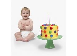 生日蛋糕与开心的小宝宝