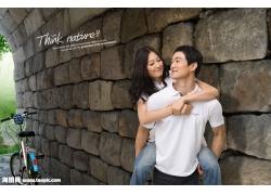 石头墙壁与情侣psd素材