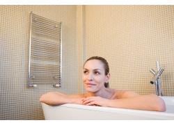 浴缸里的女人高清素材