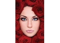 玫瑰花围绕的外国女人面孔