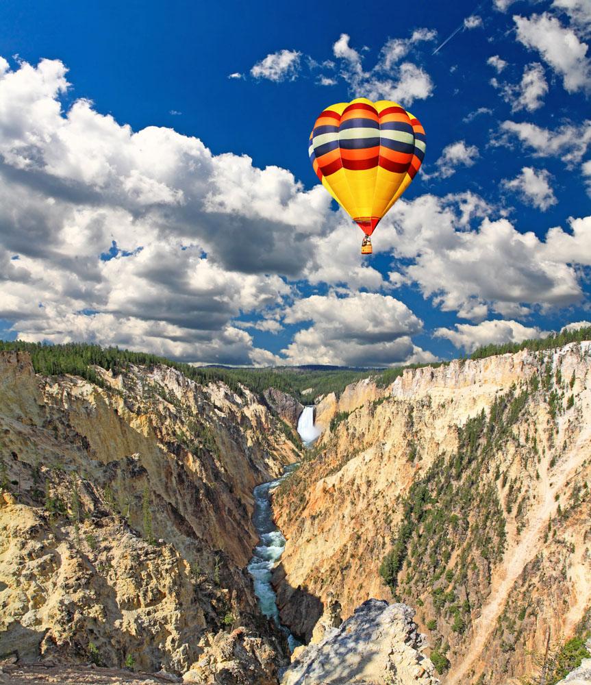 峡谷上空中的热气球高清图片图片