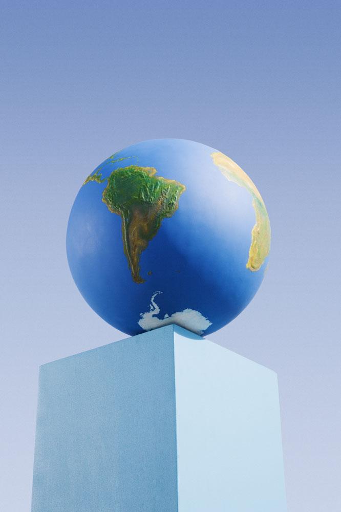 蓝色柱子与蓝色地球摄影图片图片