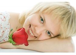 玫瑰花与外国美女图片