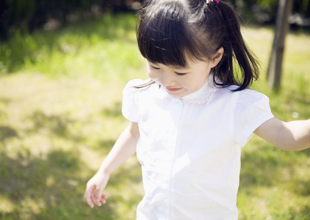可爱小女孩高清图片素材图片