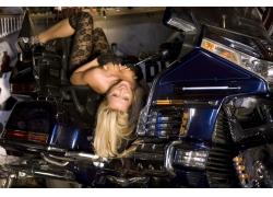 性感美女与摩托车