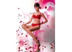 玫瑰花与性感内衣模特