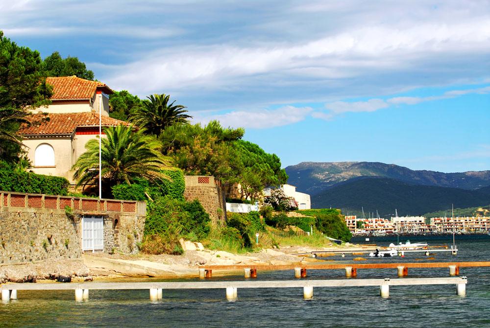 海边小镇风景摄影图片