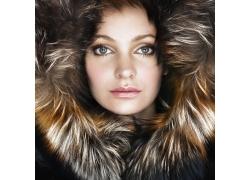 时尚毛皮大衣模特美女