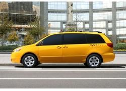 黄色汽车侧面