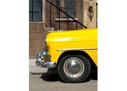 黄色汽车车头